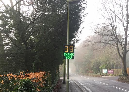 Speed indicator in Harestock